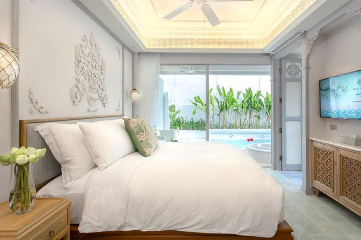 corner-pool-suite-1