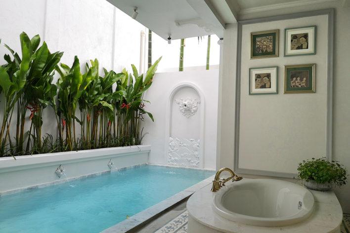 corner-pool-suite-3